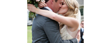 first-kiss-Tara-Whittaker-Photography-01
