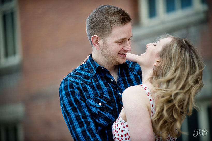 katherine_tyler_rooftop_movie_engagement_session_04