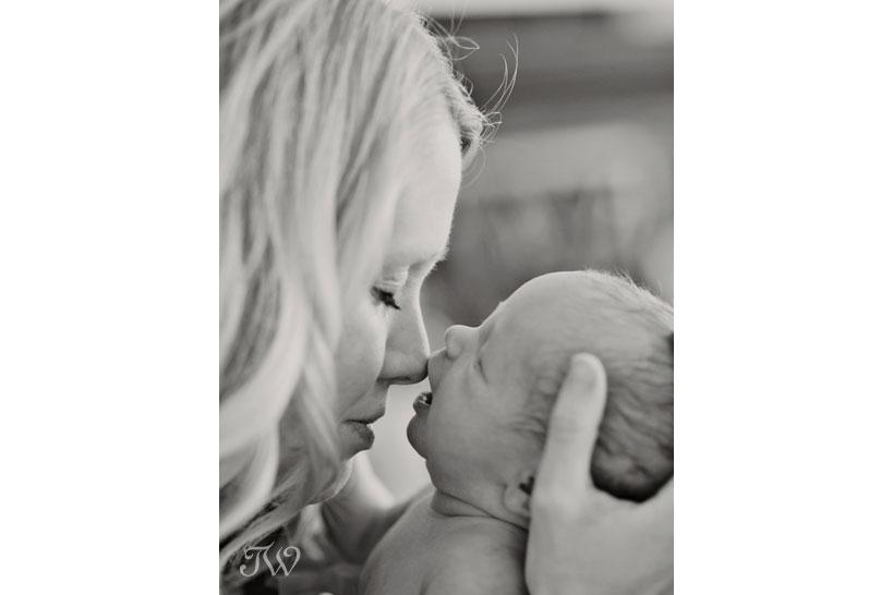 Newborn-photos-Calgary-mother-baby