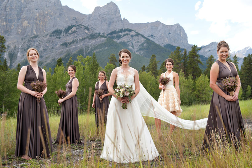 bridal party in Canmore captured by photographer Tara Whittaker