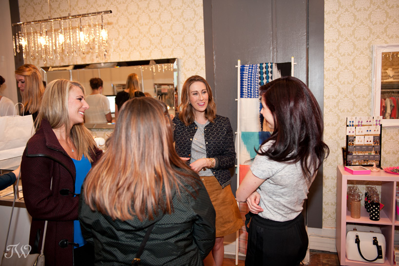 fashion blogger chats with guests Tara Whittaker Photography