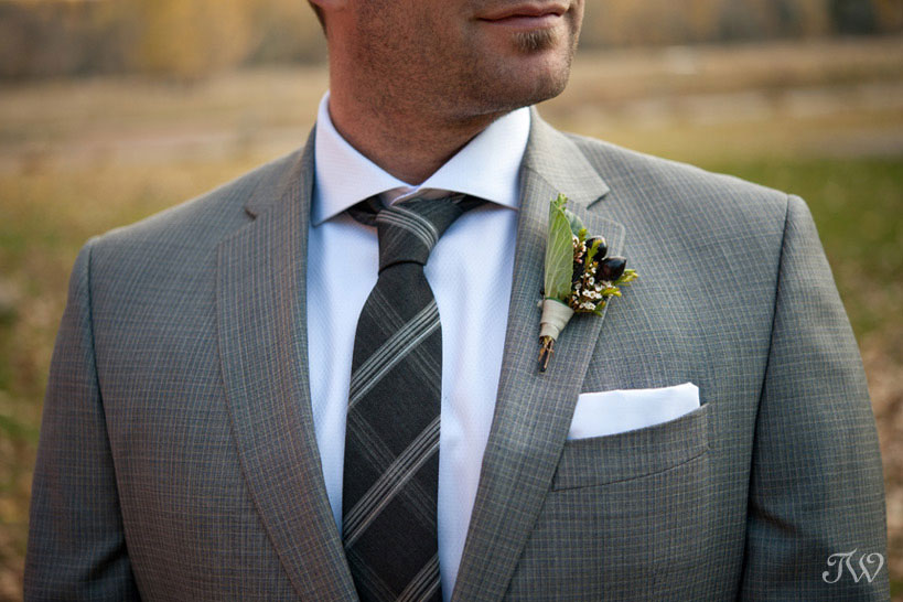 boutonnieres for grooms captured by Tara Whittaker Photography