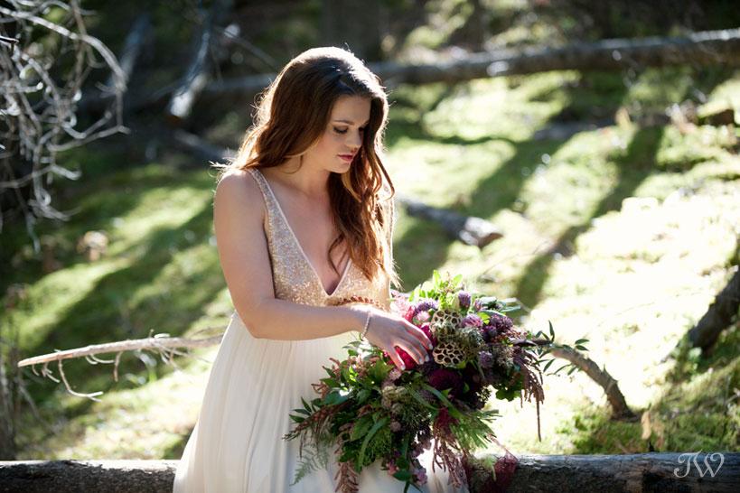 beautiful mountain bride in Banff captured by Tara Whittaker Photography