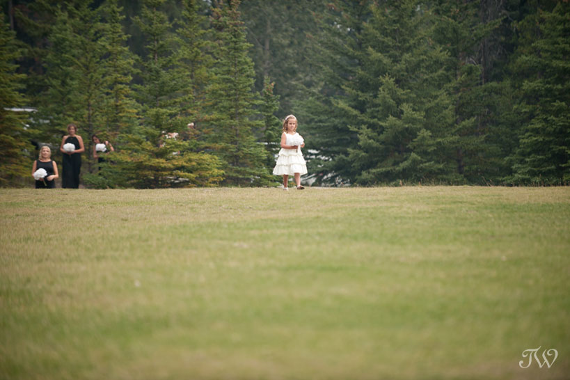 flower girl at Tunnel Mountain Reservoir in Town of Banff captured by Tara Whittaker Photography
