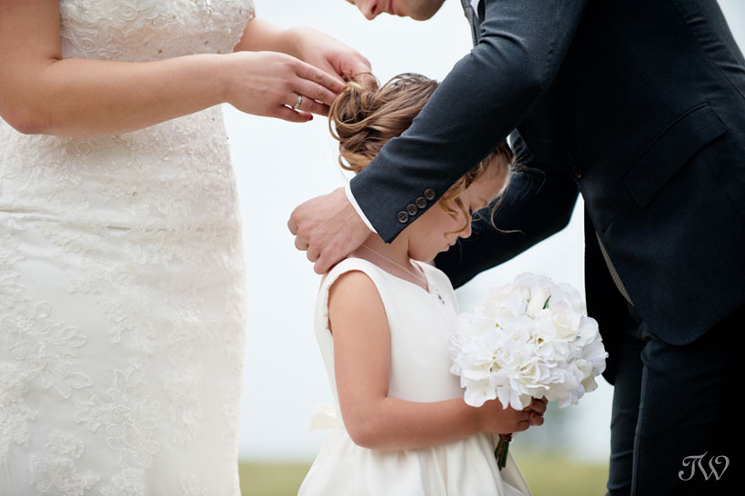 flower girl during wedding at Tunnel Mountain Reservoir captured by Tara Whittaker Photography