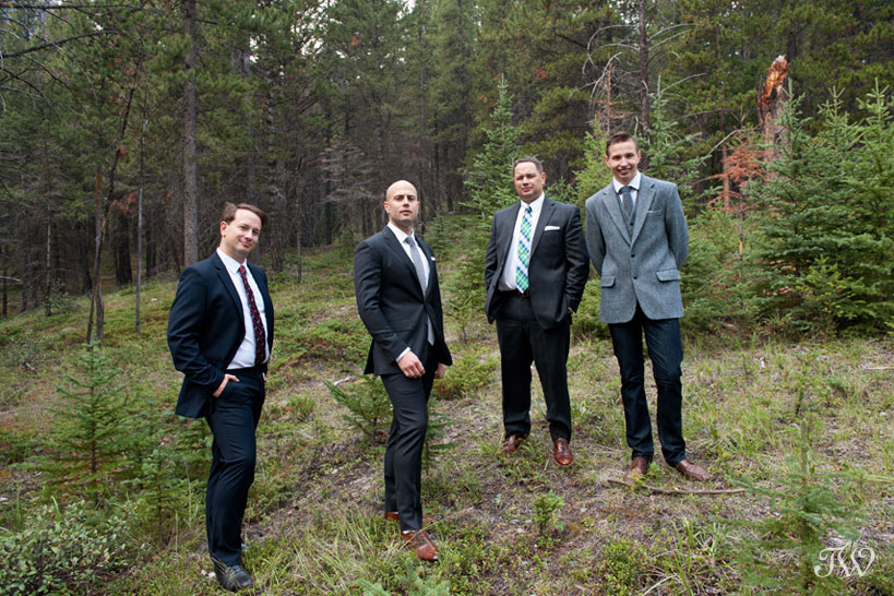 groom and his groomsmen at Tunnel Mountain Reservoir captured by Tara Whittaker Photography