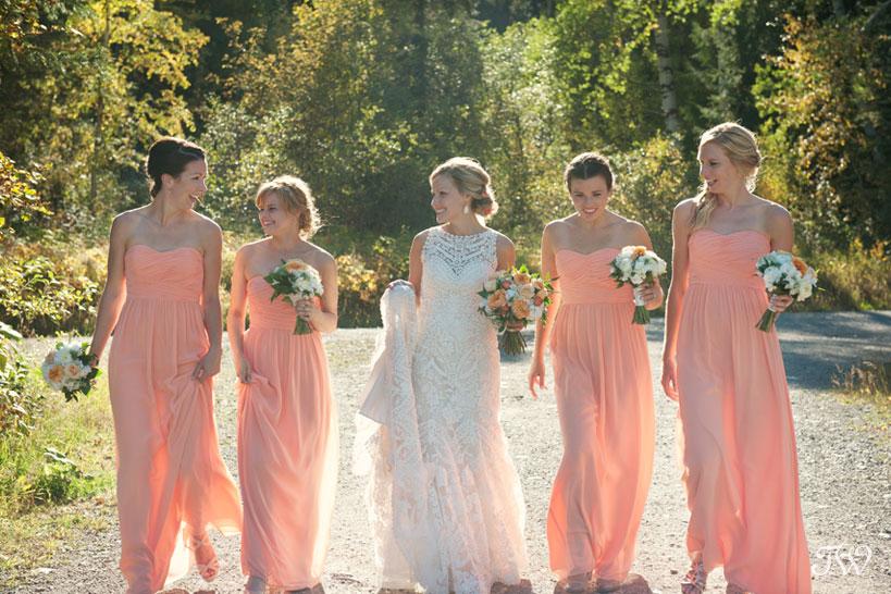 bride and her bridesmaids captured by Fernie wedding photographer Tara Whittaker