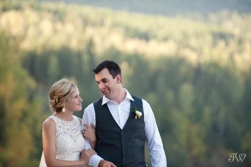 Bride and groom captured by Fernie wedding photographer Tara Whittaker