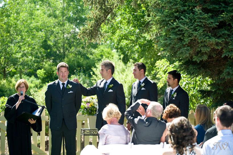 Bow Valley Ranche wedding ceremony captured by Calgary wedding photographer Tara Whittaker