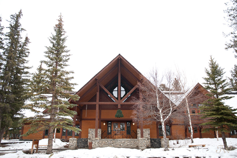 Buffalo Mountain Lodge in Banff captured by Tara Whittaker Photography