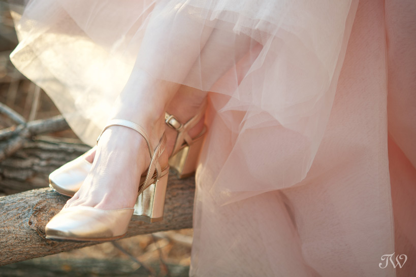 gold bridal shoes from Nine West Canada captured by Tara Whittaker Photography