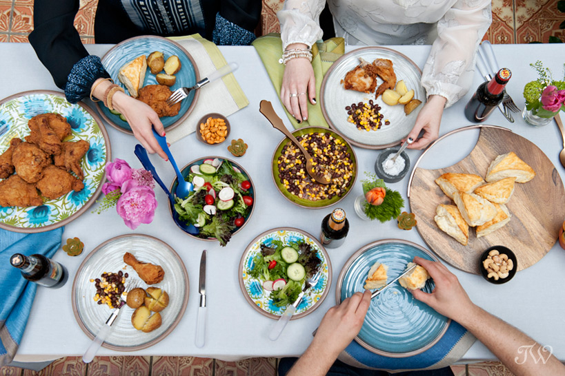 summer dinner table captured by Tara Whittaker Photography