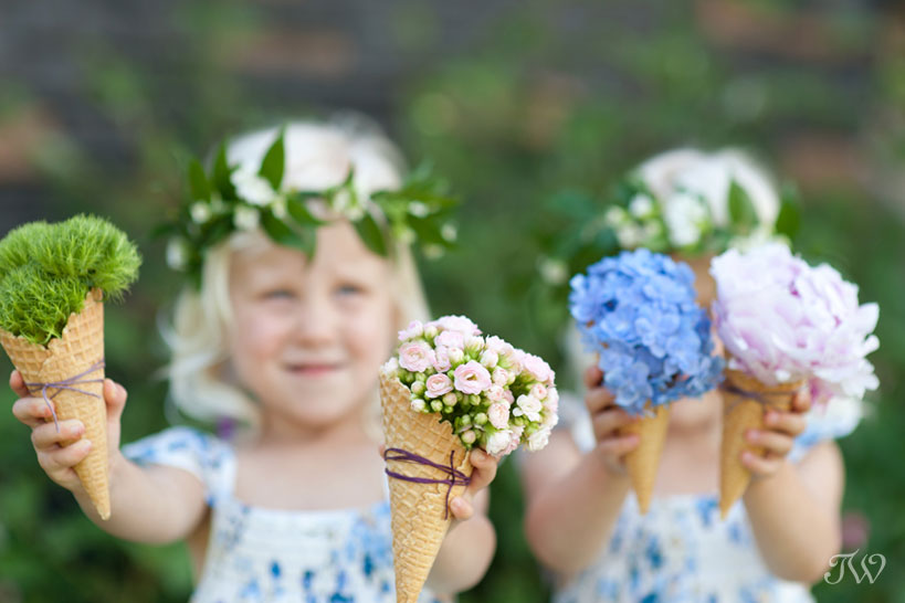 flower girl ideas ice cream cones filled with flowers