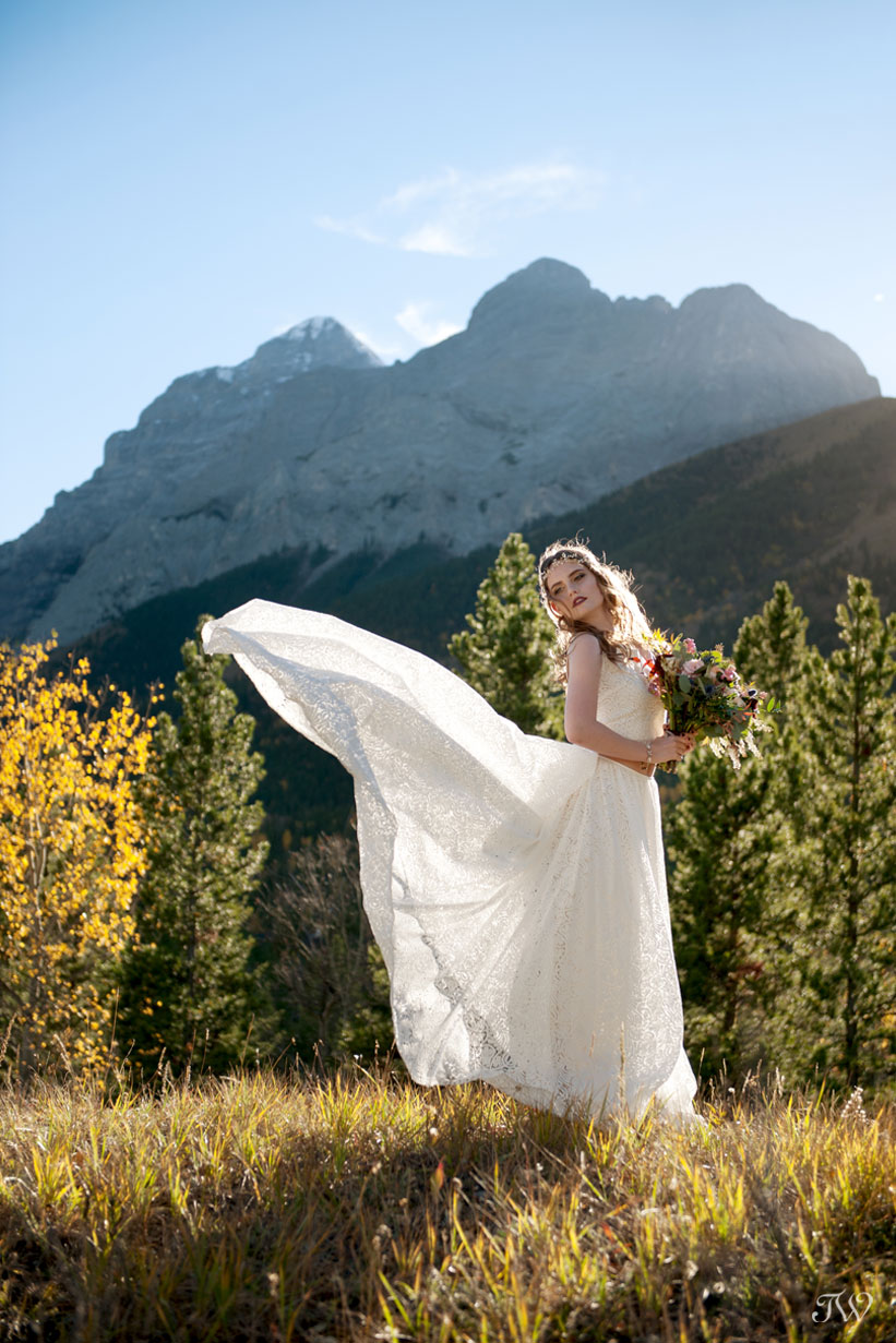 bohemian bride in Martina Liana gown in Kananaskis captured by Tara Whittaker Photography