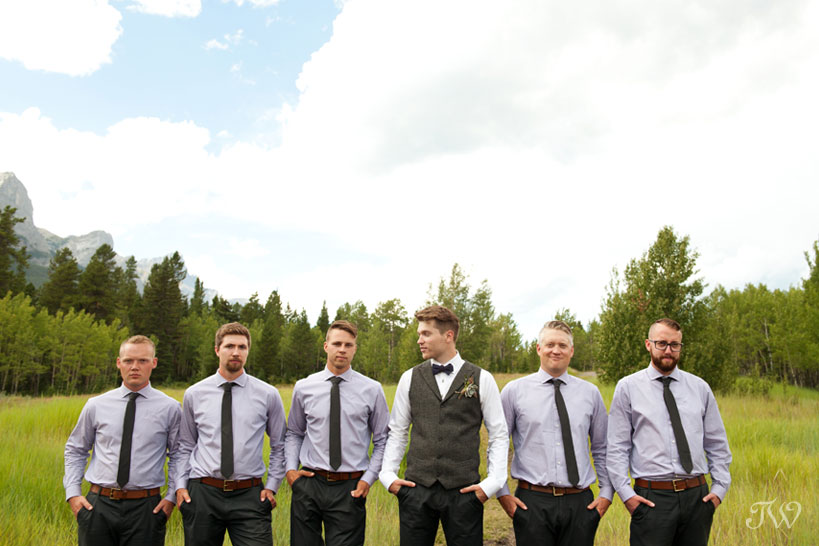 groom with his groomsmen in Canmore captured by Tara Whittaker Photography