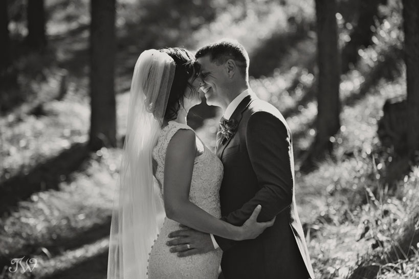 happy bride and groom after their Quarry Lake wedding captured by Tara Whittaker