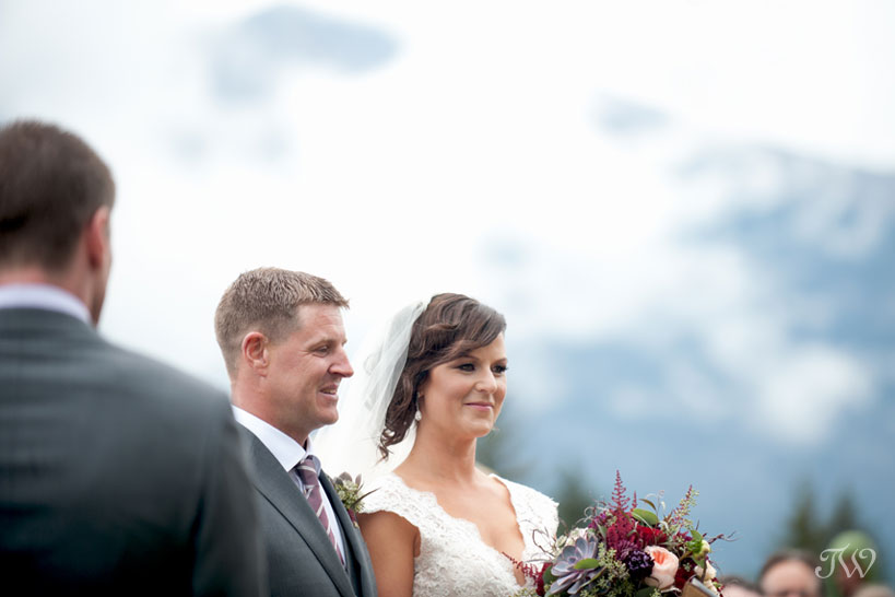 Vows during a Quarry Lake wedding captured by Tara Whittaker Photography