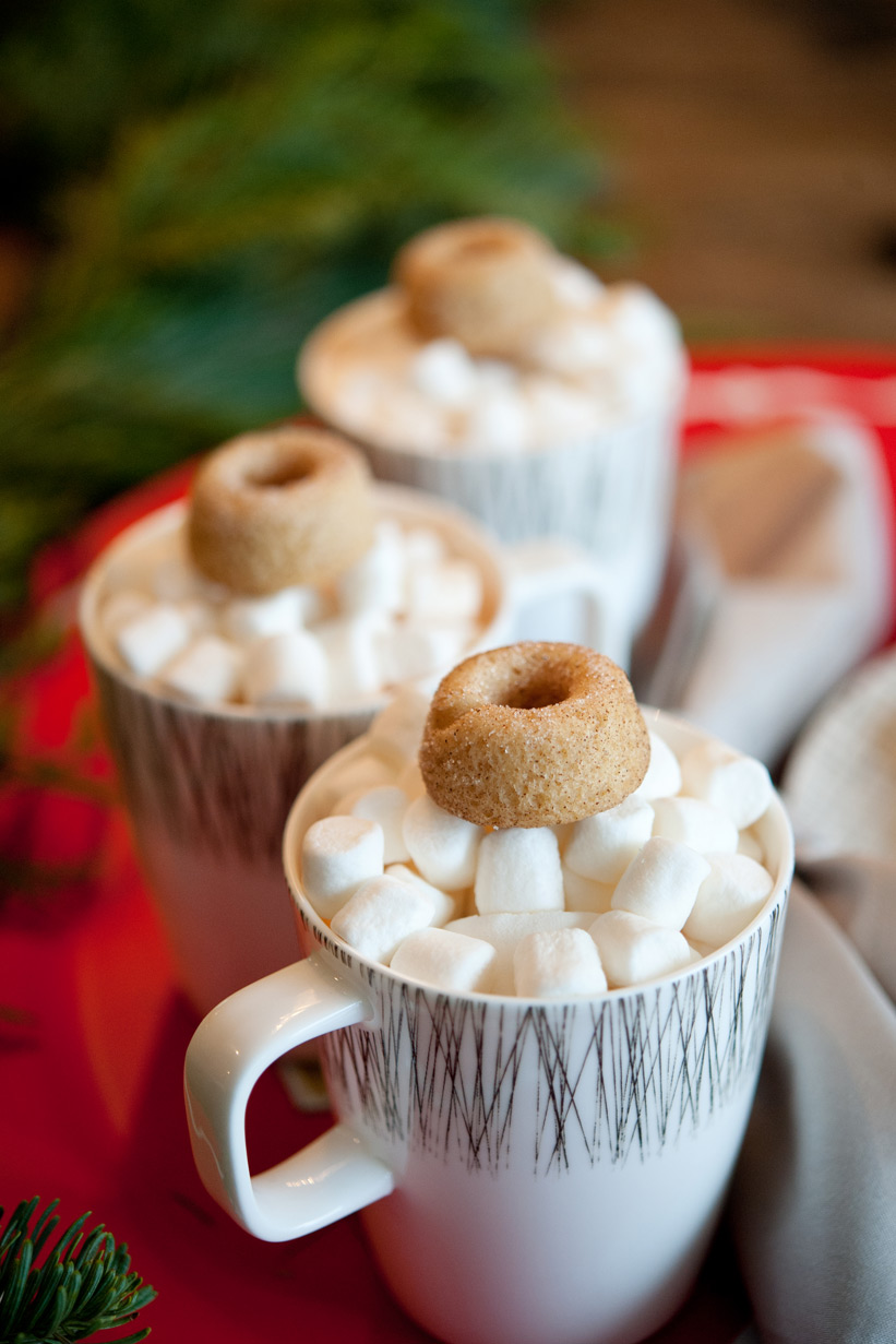 Hot chocolate and donuts from Pretty Sweet for a mid century modern Christmas