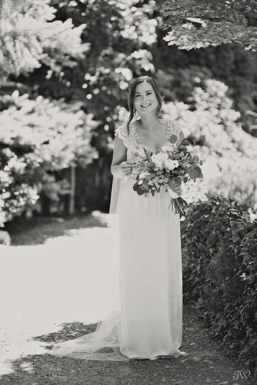 bride wearing Anna Campbell in Kasugai Gardens captured by Tara Whittaker Photography