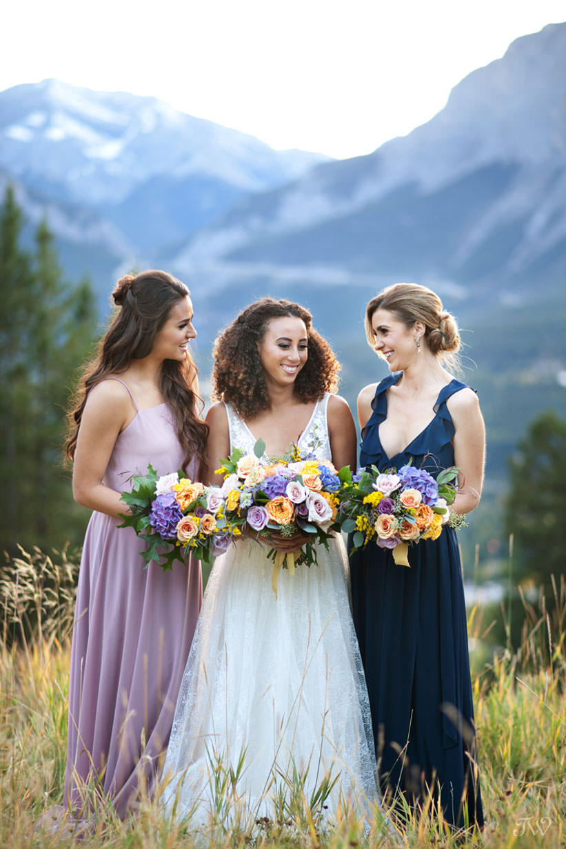 bridal party at a Silvertip wedding in Canmore captured by Calgary wedding photographer Tara Whittaker