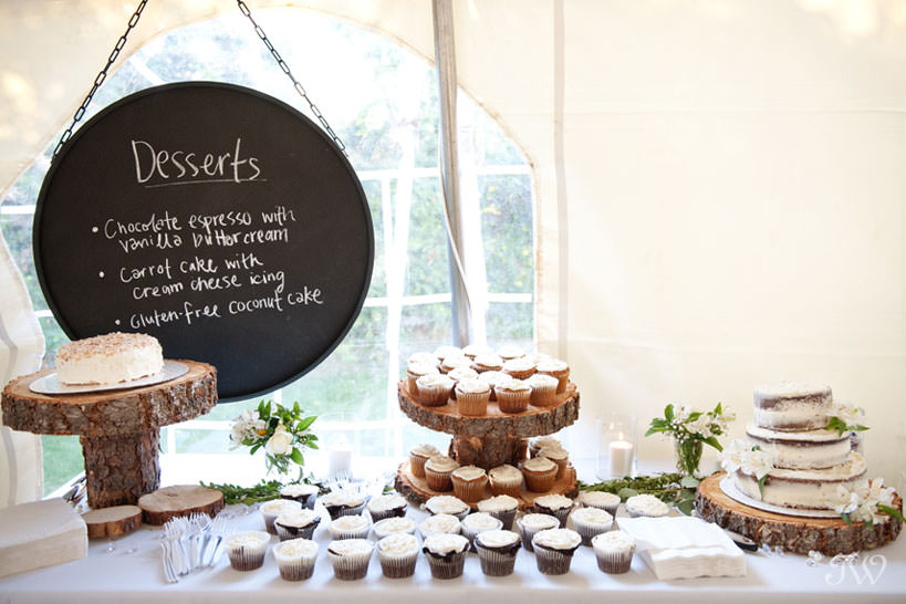 dessert table at Kelowna wedding captured by Tara Whittaker Photography