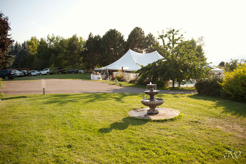 tented reception at Kelowna wedding captured by Tara Whittaker Photography