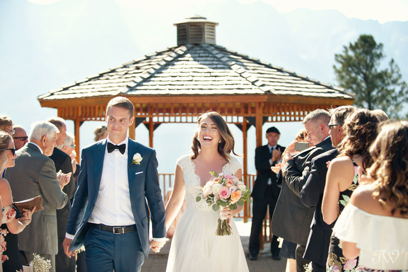 Newlyweds at Silvertip mountain wedding locations captured by Tara Whittaker Photography