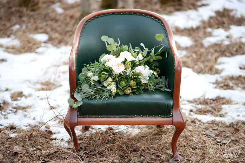 Winter bouquet from Fleurish Flower Shop captured by Calgary wedding photographer Tara Whittaker